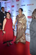 Rekha at Filmfare Glamour & Style Awards 2016 in Mumbai on 15th Oct 2016 (2150)_5804db910e844.JPG