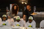 Saiyami Kher and Chef Vikas Khanna for world food day event by smile foundation at Quaker on 16th Oct 2016 (67)_5804c2798d3e0.JPG