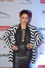 Shalmali Kholgade at Filmfare Glamour & Style Awards 2016 in Mumbai on 15th Oct 2016 (1603)_5804dbb2a0e18.JPG