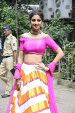 Shilpa Shetty on the sets of Super Dancer on 16th Oct 2016 (73)_5804bf15ed8a0.JPG