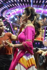Shilpa Shetty on the sets of Super Dancer on 16th Oct 2016 (76)_5804bf181c645.JPG
