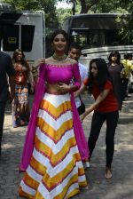 Shilpa Shetty on the sets of Super Dancer on 16th Oct 2016 (81)_5804bf1ce9b19.JPG