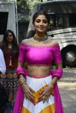 Shilpa Shetty on the sets of Super Dancer on 16th Oct 2016 (82)_5804bf1d9b909.JPG
