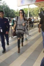 Shraddha Kapoor snapped at airport on 16th Oct 2016 (46)_5804dde873fea.JPG