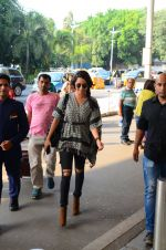 Shraddha Kapoor snapped at airport on 16th Oct 2016 (50)_5804ddec36f8b.JPG