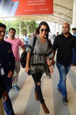 Shraddha Kapoor snapped at airport on 16th Oct 2016 (54)_5804ddf014661.JPG