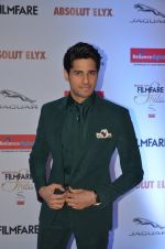 Sidharth Malhotra at Filmfare Glamour & Style Awards 2016 in Mumbai on 15th Oct 2016 (1925)_5804dbcc95ee0.JPG