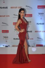 Sonal Chauhan at Filmfare Glamour & Style Awards 2016 in Mumbai on 15th Oct 2016 (1885)_5804dbe9aa676.JPG