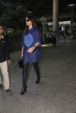 Sonam Kapoor snapped at airport on 17th Oct 2016 (43)_5804de03caa48.JPG
