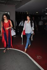 Sridevi, Jhanvi Kapoor snapped at airport on 16th Oct 2016 (26)_5804b9e30808b.JPG