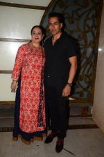 Sudhanshu Pandey at Hema Malini_s bday party on 16th Oct 2016 (21)_5804c813de486.JPG