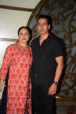 Sudhanshu Pandey at Hema Malini_s bday party on 16th Oct 2016 (22)_5804c814bab12.JPG