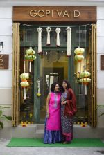 innaugurates Gopi Vaid_s new store on 15th Oct 2016 (67)_5804a228b33dc.JPG