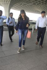 Gauri Khan snapped at airport on 18th Oct 2016 (17)_58062b1e67cba.JPG