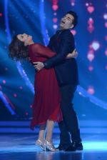 Karan Johar, Farah Khan on the sets of Jhalak Dikhhla Jaa for the promotion of his upcoming movie Ae Dil Hai Mushkil on 17th Oct 2016 (23)_5806322275cd0.JPG