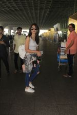 Kriti Kharbanda snapped at airport on 18th Oct 2016 (29)_58062b4626070.JPG