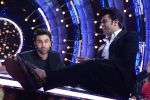 Ranbir Kapoor on the sets of Jhalak Dikhhla Jaa for the promotion of his upcoming movie Ae Dil Hai Mushkil on 17th Oct 2016 (7)_580632a5c2a9a.JPG