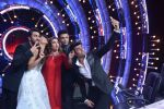 Ranbir Kapoor on the sets of Jhalak Dikhhla Jaa for the promotion of his upcoming movie Ae Dil Hai Mushkil on 17th Oct 2016 (9)_580632a6b38ab.JPG