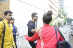 Ranbir Kapoor snapped in Mumbai on 18th Oct 2016 (11)_58062db6003e4.JPG