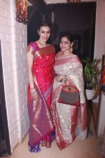 Taneesha Lahiri and Sumona Chakraborty at Bappi Lahiri_s Lakshmi Pooja at the Lahiri House in Juhu_580625839df83.jpg
