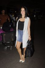 Elli Avram snapped at Airport on 18th Oct 2016 (39)_58070511a1226.JPG