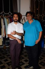 Vashu Bhagnani at Kapil & MMonika popup shop on 18th Oct 2016 (34)_580718b4dd171.JPG