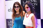 at Lakme Fashion Week at Elahe and Heroines on 18th Oct 2016 (26)_58073697187d2.JPG