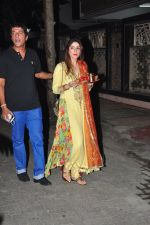 Chunky Pandey celebrate Karva Chauth at Anil Kapoor�s house in Juhu on 19th Oct 2016 (8)_58087006da883.JPG