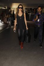 Malaika Arora Khan snapped at airport on 19th Oct 2016 (33)_58086fae0b9e5.JPG