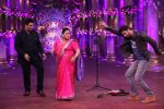 Ranbir Kapoor and Karan Johar at Comedy Nights Bachao on 19th Oct 2016 (17)_580871a275bbe.JPG