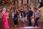 Ranbir Kapoor and Karan Johar at Comedy Nights Bachao on 19th Oct 2016 (4)_58087194e30e3.JPG