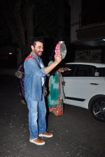 Sanjay Kapoor celebrate Karva Chauth at Anil Kapoor�s house in Juhu on 19th Oct 2016 (104)_5808708ae6020.JPG