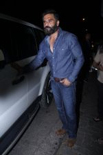 Sunil Shetty snapped at Korner House on 19th Oct 2016 (153)_5808764656304.JPG