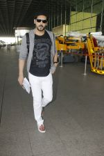 Zayed Khan snapped at airport on 19th Oct 2016 (7)_58086fb03b73d.JPG