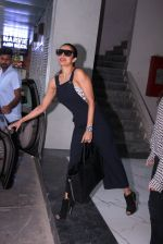 Malaika Arora Khan snapped on 20th Oct 2016 (10)_5809d95a030fd.JPG