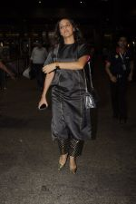Neha Dhupia snapped at airport on 20th Oct 2016 (44)_5809d9695b5ef.JPG