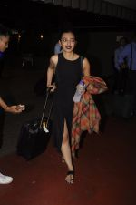 Radhika Apte snapped at airport on 20th Oct 2016 (53)_5809d977d5e4e.JPG
