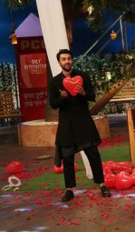 Ranbir Kapoor at the promotion of Ae Dil Hai Mushkil on the sets of Kapil Sharma Show on 19th Oct 2016 (52)_5809b0cbba9a2.JPG