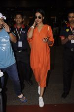 Sonal Chauhan snapped at airport on 20th Oct 2016 (28)_5809d99defa04.JPG