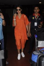 Sonal Chauhan snapped at airport on 20th Oct 2016 (30)_5809d9a0f24ea.JPG