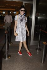 Urvashi Rautela snapped at airport on 20th Oct 2016 (15)_5809d9b0d1335.JPG
