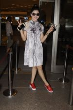 Urvashi Rautela snapped at airport on 20th Oct 2016 (18)_5809d9b671269.JPG