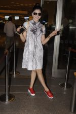 Urvashi Rautela snapped at airport on 20th Oct 2016 (20)_5809d9b854a56.JPG