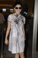 Urvashi Rautela snapped at airport on 20th Oct 2016 (22)_5809d9bad24f4.JPG