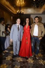 Pooja Bedi, Gautam Singhania, Marc Robinson during the launch of KamaSutra Honeymoon Surprise Pack on 21st Oct 2016 (14)_580b5d9dc8483.JPG