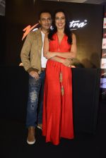 Pooja Bedi, Marc Robinson during the launch of KamaSutra Honeymoon Surprise Pack on 21st Oct 2016 (28)_580b5d9e76056.JPG