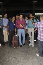 Gulshan Grover snapped at airport on 22nd Oct 2016 (43)_580c55201fd2b.JPG