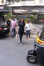 Mandana Karimi snapped in Bandra on 22nd Oct 2016 (34)_580c5b0e86586.JPG