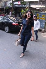 Mandana Karimi snapped in Bandra on 22nd Oct 2016 (37)_580c5b11a2884.JPG