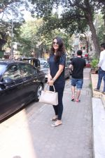 Mandana Karimi snapped in Bandra on 22nd Oct 2016 (41)_580c5b14aa51f.JPG